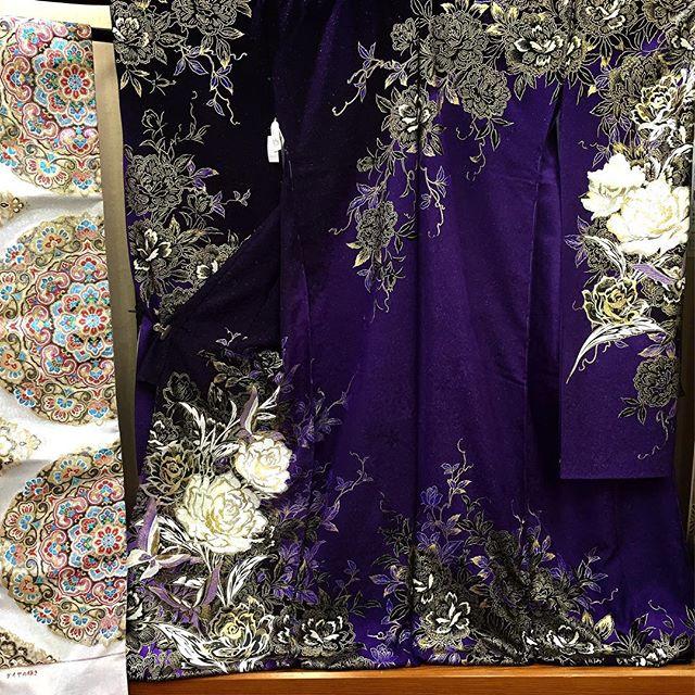 #振袖#まつき苑 #天文館#紫×ゴールド#かっこいい系#左の白いのは帯です